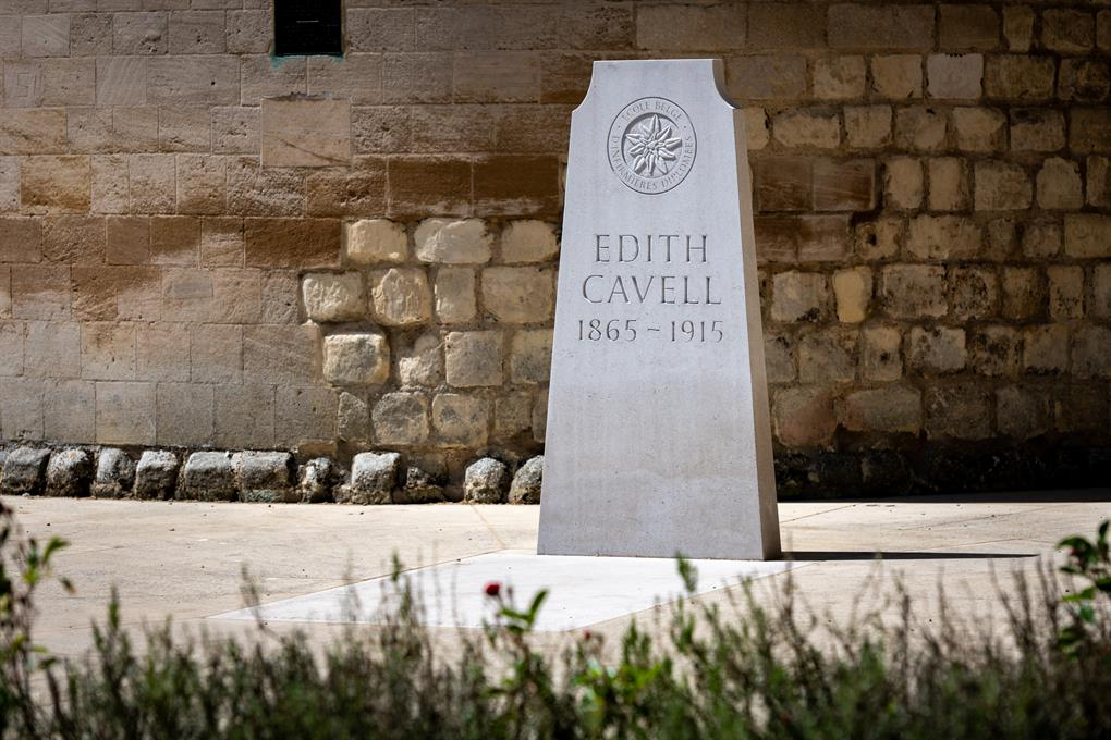 The grave of Edith Cavell at Norwich Cathedral (c) Bill Smith_Norwich Cathedral